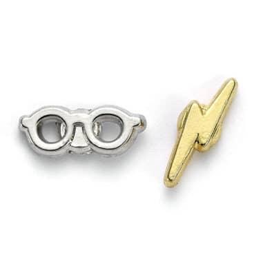 Boucles d'oreilles lunettes et cicatrice