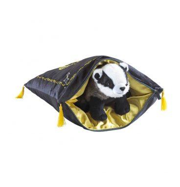 harry-potter-oreiller-avec-peluche-house-mascot-hufflepuffp2
